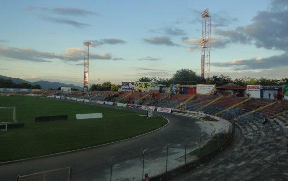 Estadio Oscar Quiteño